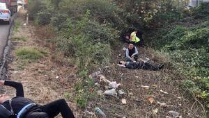 Otomobil TEMden çalılık alana uçtu: 2 yaralı