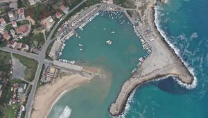 Karaburunda denizde kum hırsızlığı iddiası