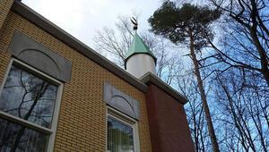 Hollanda'da 3 camiye tehdit