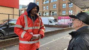 Londrada bıçaklı saldırılar artarken bir İngiliz bu suça tek başına bayrak açtı