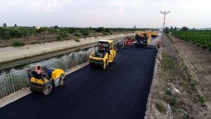 Ali Hocalı-Karataş yoluna sıcak asfalt