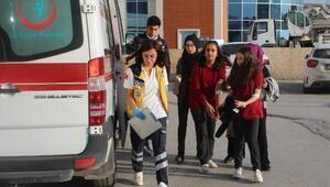 Lahmacun yedikten sonra rahatsızlanan 17 öğrenci ve 1 öğretmen hastaneye kaldırıldı
