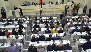 İstanbuldaki arsa İzmir Büyükşehir Belediye Meclisi'nde tartışma çıkarttı