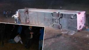 Son dakika... Aksarayda yolcu otobüsü devrildi: 1 ölü, 20 yaralı