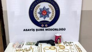 200 bin liralık hırsızlık şüphelisi 2 kadın yakalandı