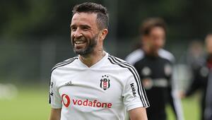 Gökhan Gönül futbolu bırakıyor mu Paylaşım...
