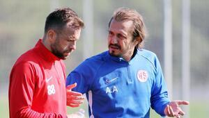Ayhan Akman geri döndü Antalyasporda Tomasın yardımcısı...