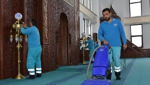 Kocasinanda 244 cami periyodik olarak temizleniyor