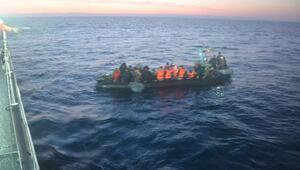 Enezde 34 kaçak göçmen yakalandı