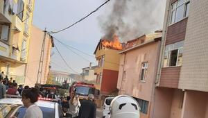 Pendikte 3 katlı binanın çatısında yangın