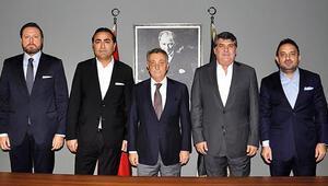 Ahmet Nur Çebi, eski yöneticilerle buluştu
