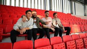 Göztepenin yeni stadında koltukların montajına başlandı