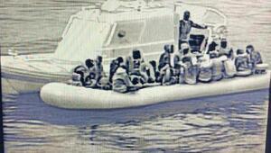 MSB: Edremit Körfezinde 40 düzensiz göçmen kurtarıldı