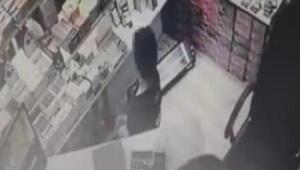 Kadıköydeki çakmak hırsızları kamerada