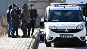 Jandarma komutanlığı yakınındaki şüpheli çanta, fünyeyle patlatıldı