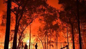 Avustralyadaki yangınlar nedeniyle üç eyalette daha alarm verildi