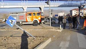 Suşehrinde trafik kazası: 3 yaralı