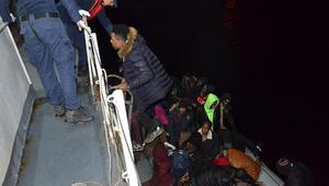 Çanakkalede lastik bot içinde 43 kaçak göçmen yakalandı
