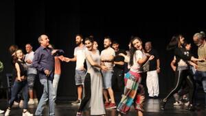 Bursada tiyatrolu günler