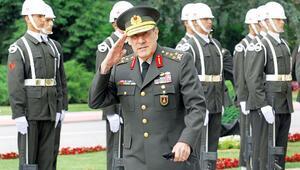 Eski Genelkurmay Başkanı Büyükanıt'a veda... Siyasi hayata da damga vurmuştu