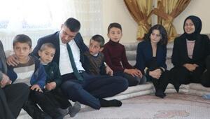 Yüksekovada öğretmenler, 2 günde 30 bin aileyi ziyaret etti