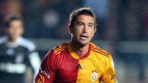 Galatasaraya Türk Telekom Stadyumunda Harry Kewell sürprizi