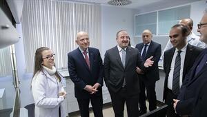 Bakan Varank, Kök Hücre Enstitüsünü ziyaret etti