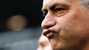 Jose Mourinho ilk maçında şaşırtmadı İşte o hareket...