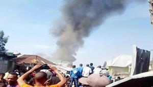 Demokratik Kongoda yolcu uçağı evlerin üzerine düştü: Çok sayıda ölü