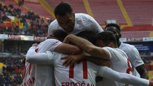 Sivasspor, Kayserisporu da mağlup etti, liderliğini sürdürdü: 1-4