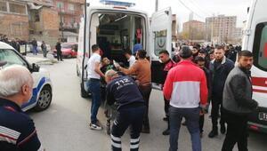 Sokak ortasında silahlı kavga: 5 yaralı
