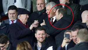 United tribünlerinde gecenin fotoğrafı: Sir Alex Ferguson ve Ed Woodward