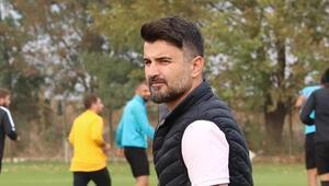 Menemenspor Teknik Direktörü Cenk Laleci: Başarının sırrı aile ortamı