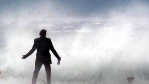 Dev dalgalara böyle kafa tuttu