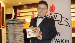 Dört ayda 1053 kitap okuyan 8 yaşındaki Mahir Atabey, Guinness Rekorlar Kitabında