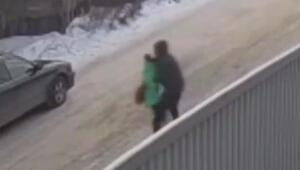 Rusyada 9 yaşındaki bir kız çocuğunun kaçırılma anı kameralara yansıdı