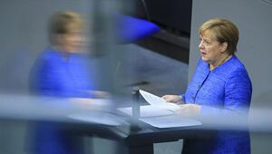 Son dakika haberler.. Merkel: Türkiyenin NATO üyesi kalması lazım