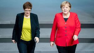 Merkel: 'Bize ne oluyor böyle'