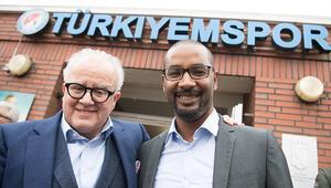 'Türk mahallesi'nden ırkçılara böyle çıkıştı: 'Kapatın çenenizi'