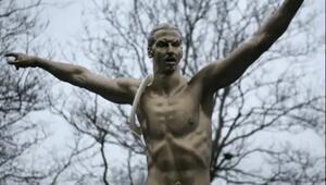 Zlatan Ibrahimovicin heykelini yaktılar