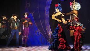 The Opera Locos İstanbula geliyor
