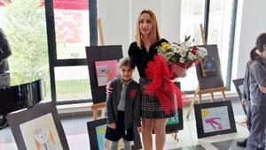 7 yaşındaki ressamdan ilk sergi