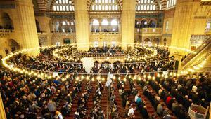 İstanbul cuma namazı saat kaçta kılınacak 29 Kasım Cuma namazı saatleri