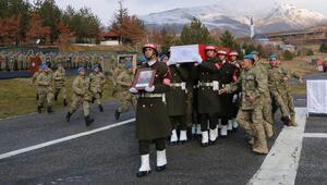 Şehit Uzman Onbaşı Çabuk, Hakkariden törenle memleketine uğurlandı