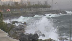 İstanbulda lodos ve sağanak yağış etkili oluyor