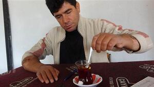 Tıp tarihine geçen çiftçi, nakil kollarıyla yaşama tutunuyor