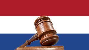 Hollanda'da örnek karar: Başörtüsünü çıkarmasını istemek 'ayrımcılık'
