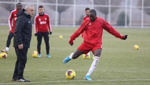 Lider Sivasspor, Kasımpaşa maçına hazır Takımda 2 eksik...