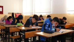 Sivasta öğrencilere yönelik izleme sınavı yapıldı