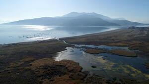 Eğirdirin tabandan bağlı olduğu Beyşehir Gölü de kurudu